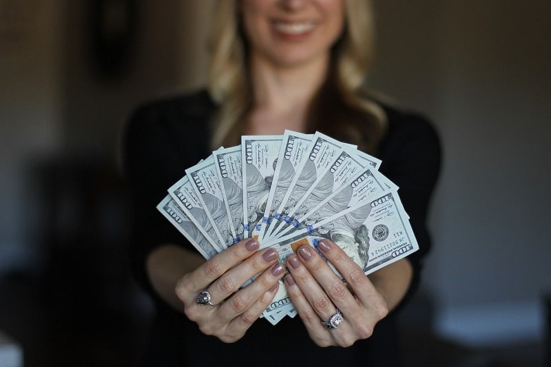 annual salary-readjustment law